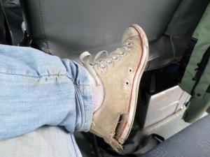 Le mi scarpe bucate.
