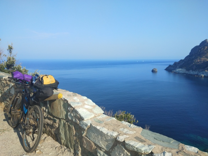 Corsica by MTB: itinerario (senza stress) di due settimane inbicicletta